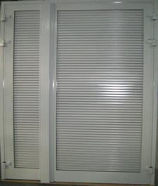 Portes en aluminium - Porte avec grille de ventilation ...